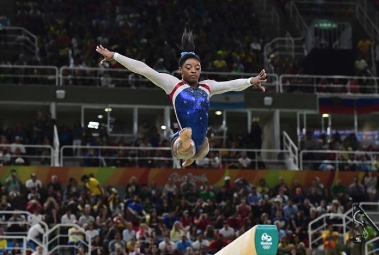 Ginnastica, Simone Biles oro nel concorso generale