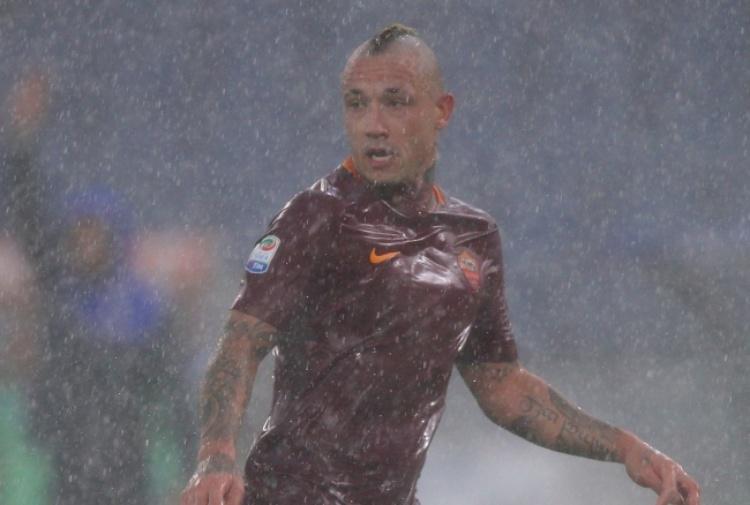 Roma, Nainggolan attacca i tifosi: