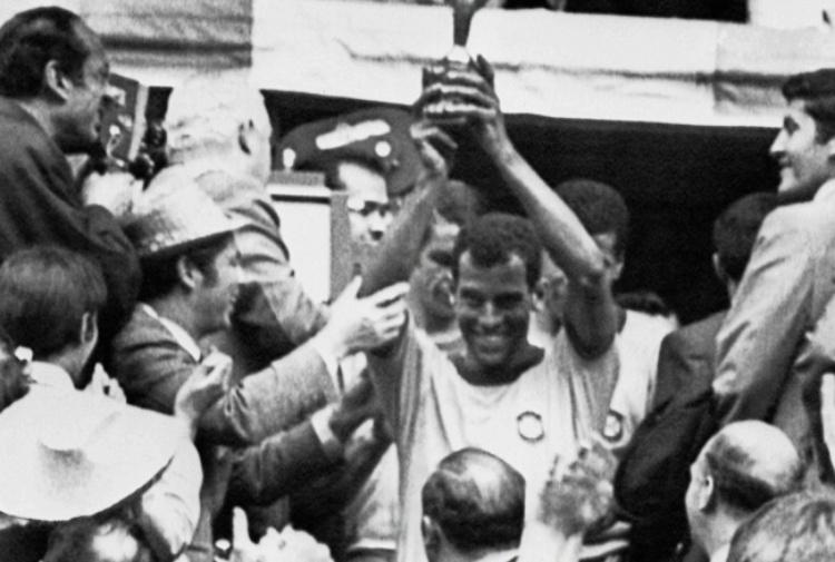 Brasile, è morto Carlos Alberto
