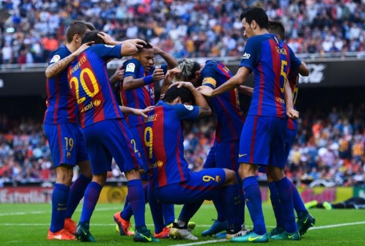 Barcellona punito per