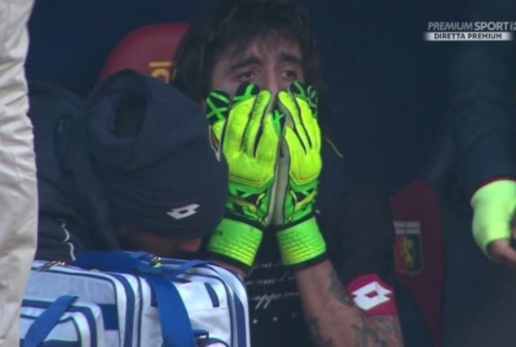 Calcio, Perin in lacrime: si rompe di nuovo il legamento crociato