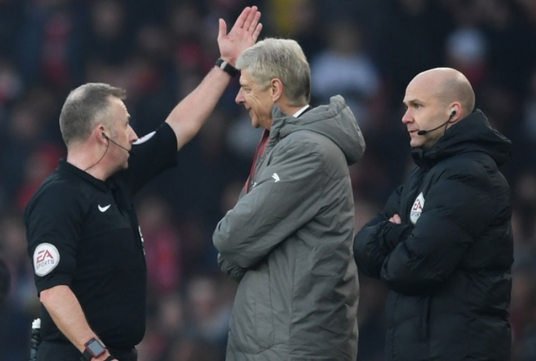Wenger, maxi squalifica in arrivo