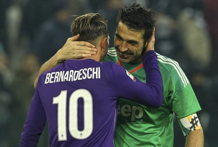 Gigi Buffon regala la maglia della Juventus a Francesco Gabbani