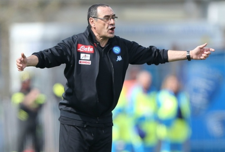 Serie A, Napoli-Cagliari 3-1: doppietta di Mertens, azzurri secondi