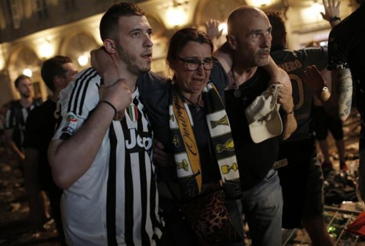 600 feriti a Torino. Non c'è nessun bambino smarrito
