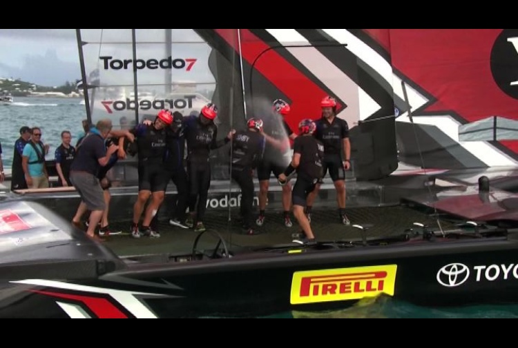 America's Cup, Emirates Team New Zealand in finale con Oracle
