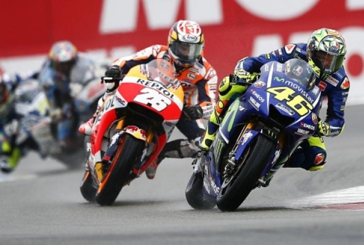 Motogp, Gp Assen: Zarco in pole davanti a Marquez