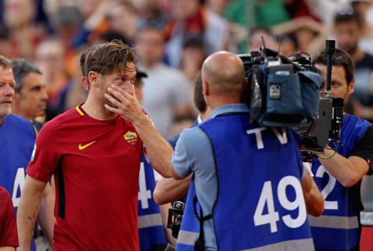 Roma, la maglia di Totti è stata lanciata nello spazio