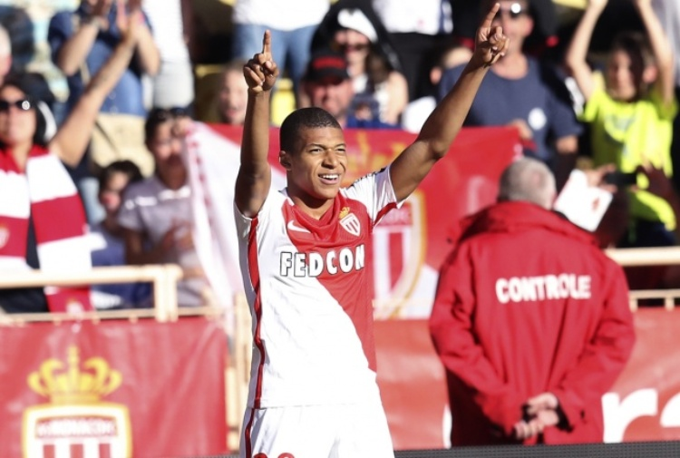 Bartomeu (Barça FC): Abbiamo segnalato l'operazione Neymar-PSG alla UEFA