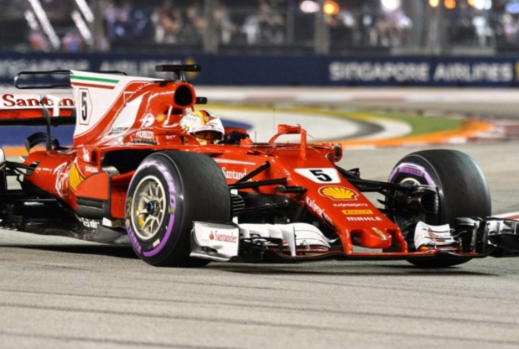 Super Vettel, pole pazzesca: Hamilton in ritardo