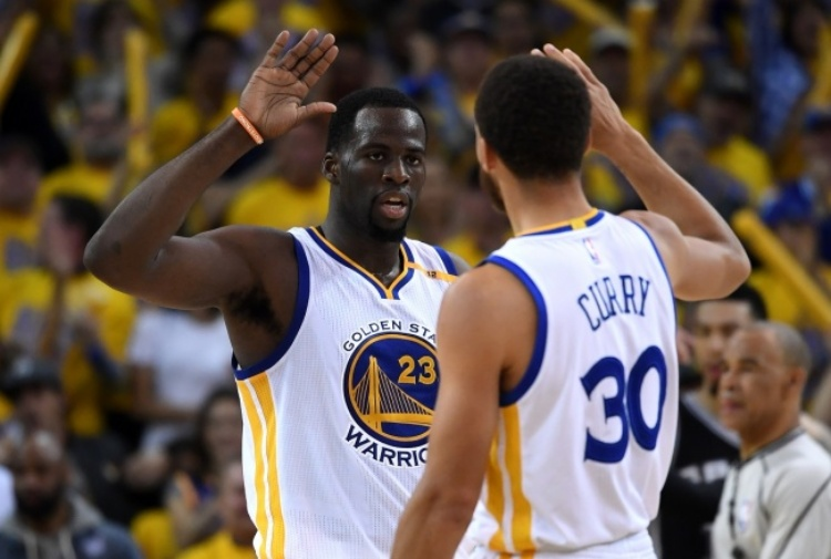 NBA, sorrisi per Lakers e Warriors