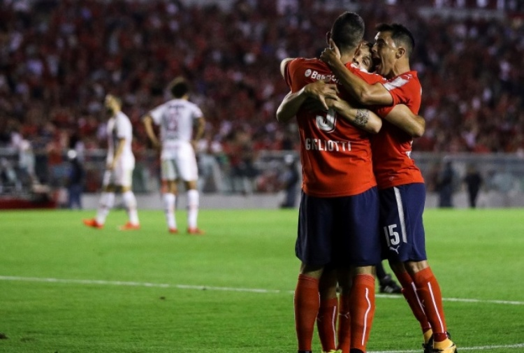 Copa Sudamericana, primo atto all'Independiente