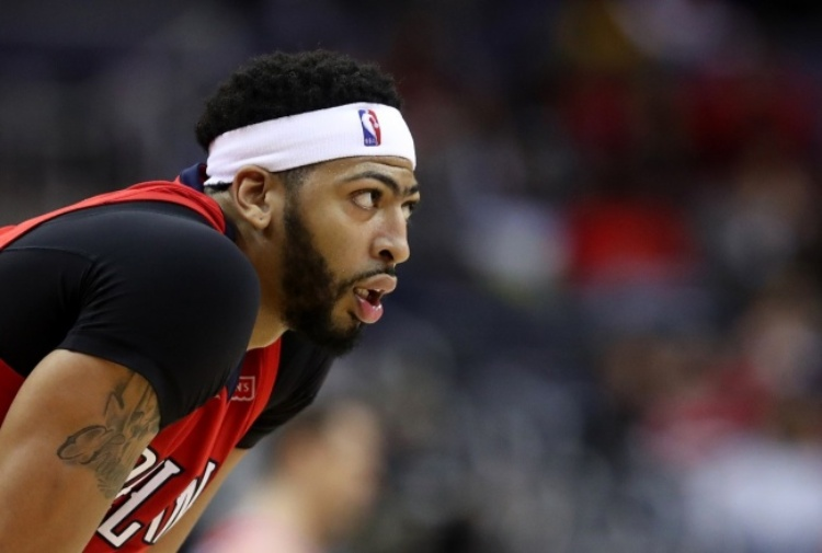 NBA, Davis disintegra Boston