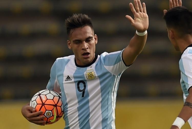 Lautaro Martinez: confermato l'arrivo in Italia dell'entourage per incontrare l'Inter