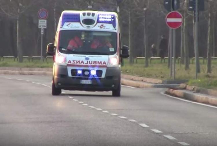 Auto pirata investe una 12enne: coinvolto un calciatore del Bologna