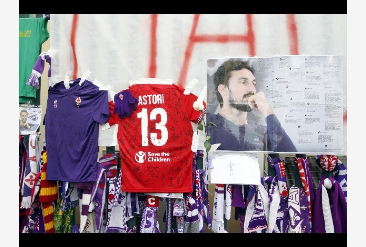 Patch e maglie, serie B ricorda Astori
