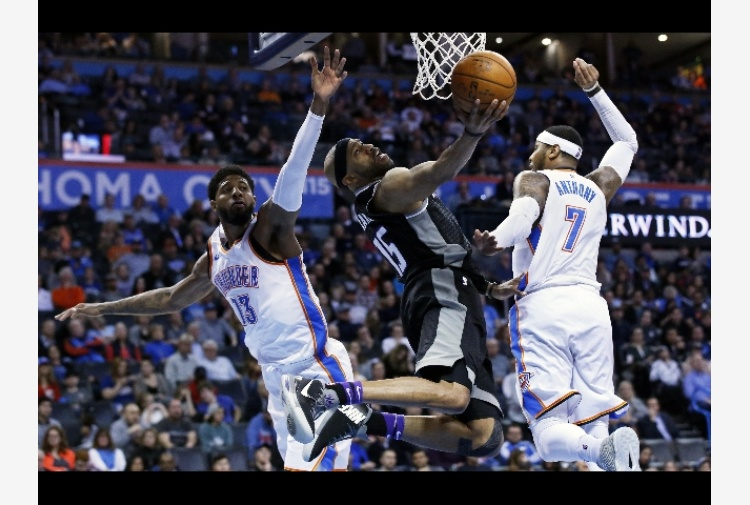Nba, ko San Antonio e playoff a rischio