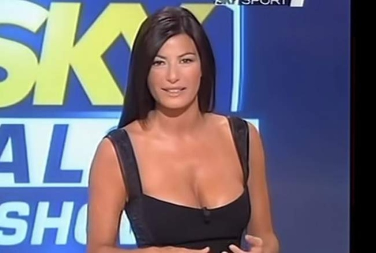 Ilaria Damico Calendario.Ilaria D Amico Lascia Sky Calcio Show Tiscali Sport