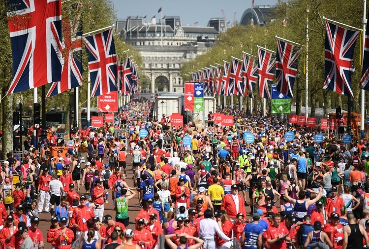 Maratona di Londra: barese salta 16 km e batte l'oro olimpico