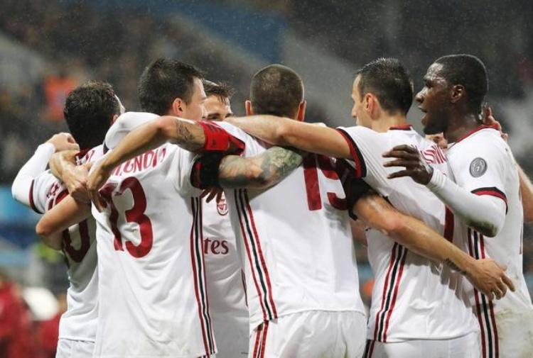 Il Milan vince, Montella salva la panchina