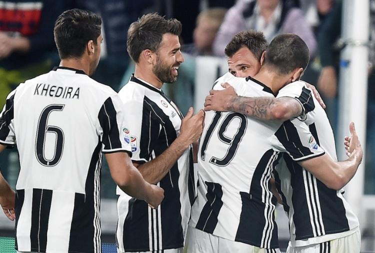 Genoa travolto, Juve: passo avanti per lo Scudetto